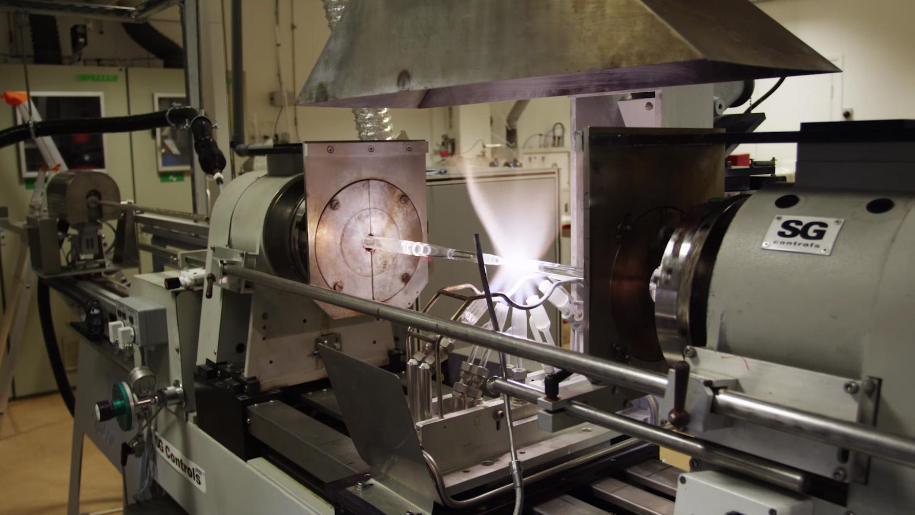 Comment est fabriquée la fibre optique